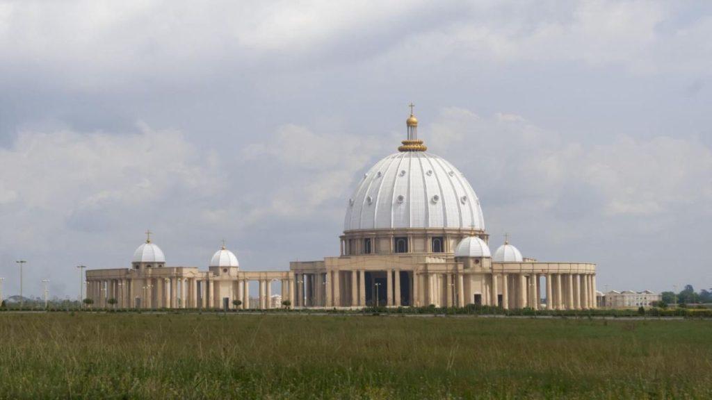 Yamoussoukro basilique Notre-Dame-de-la-Paix